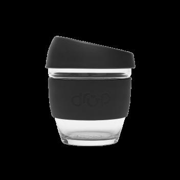 tasse en verre noire